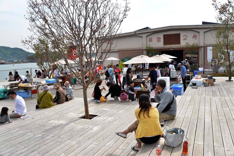 尾道の海沿いでWEEKEND MARKET開催−ONOMICHI U2で真夏のマーケットを満喫
