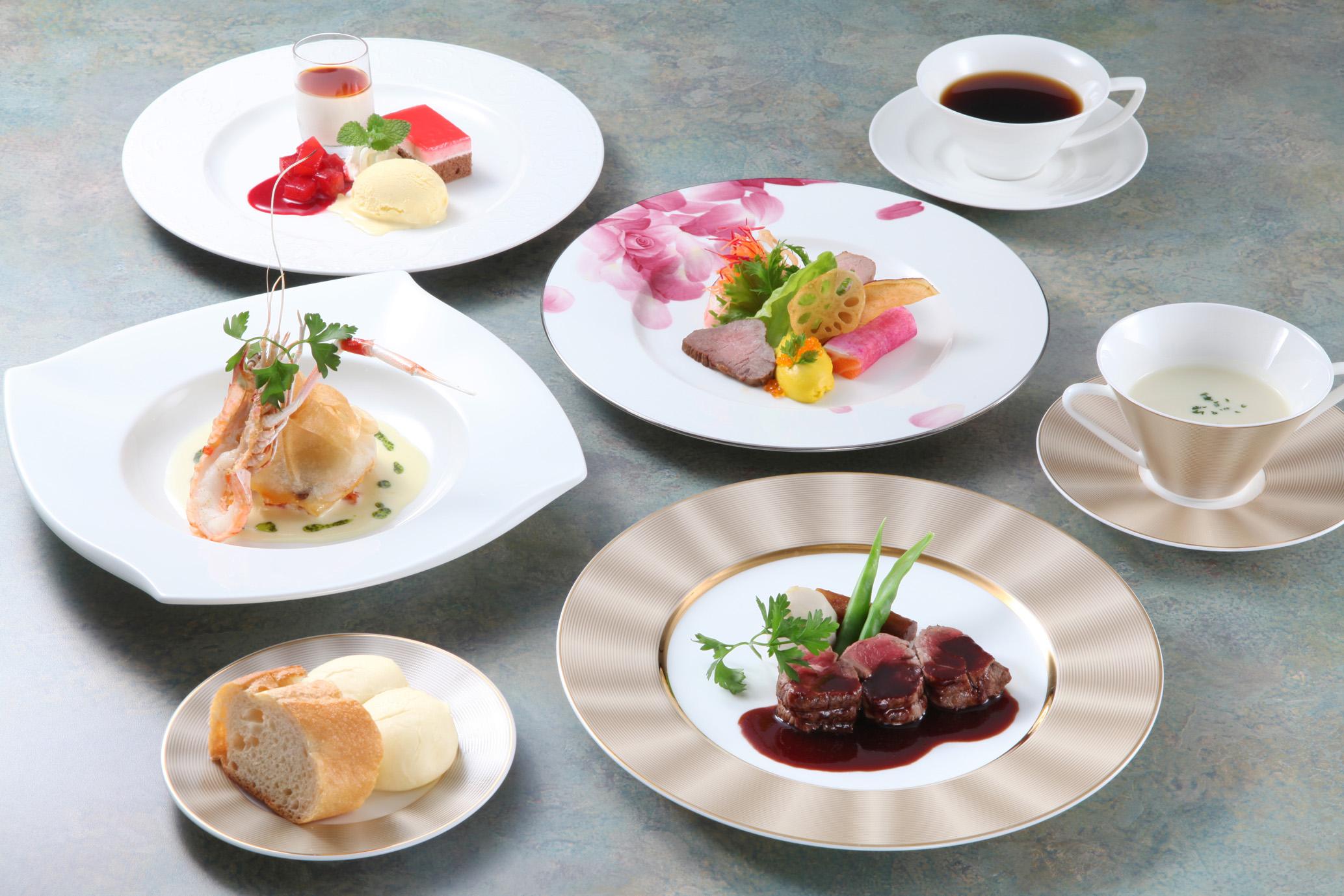 神石高原のシェフがお届けするフレンチベースのお料理はソース使いにも注目です