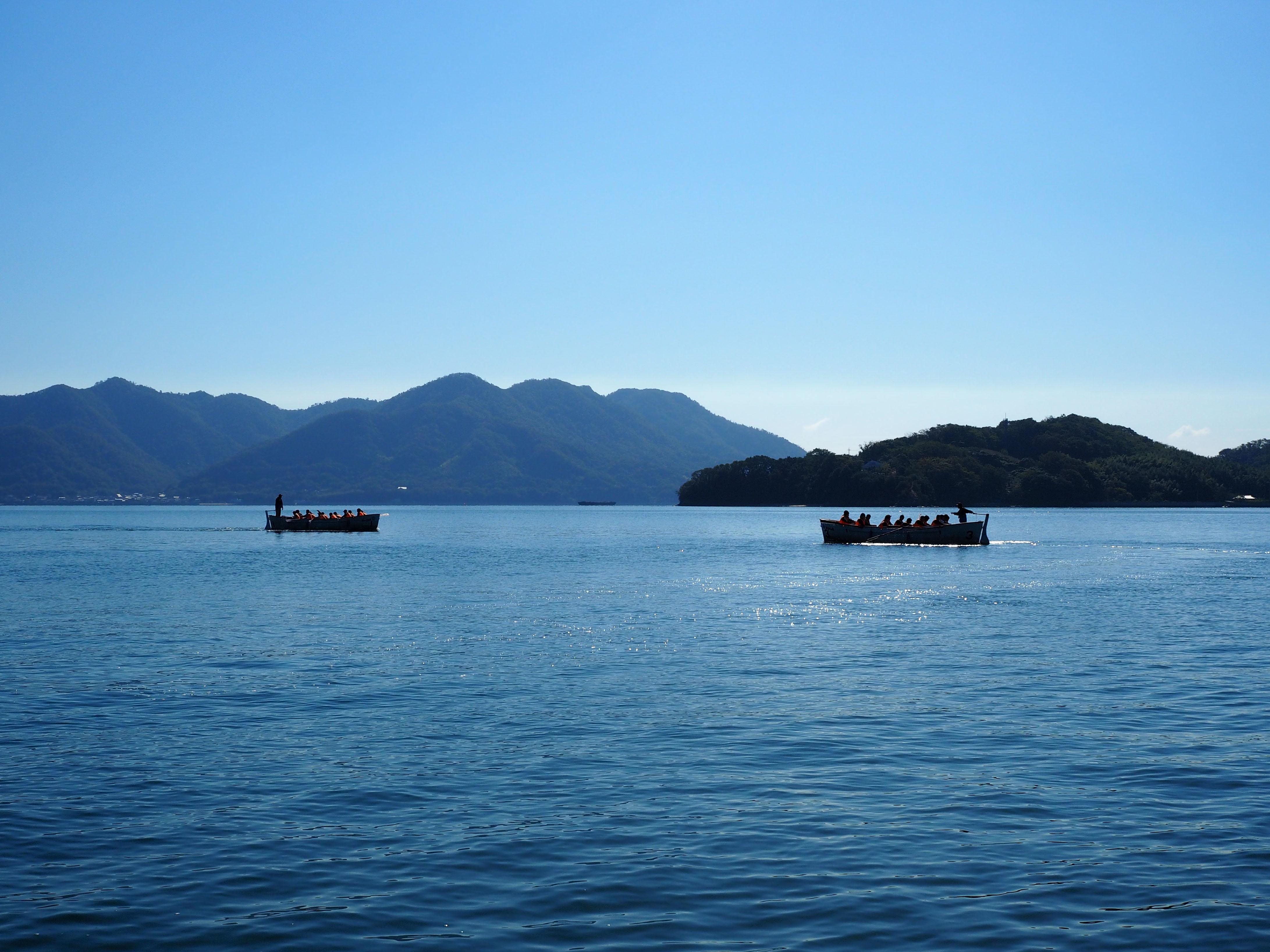 瀬戸内の穏やかな海で体験するプログラムは年間2万人の利用がある人気コンテンツです