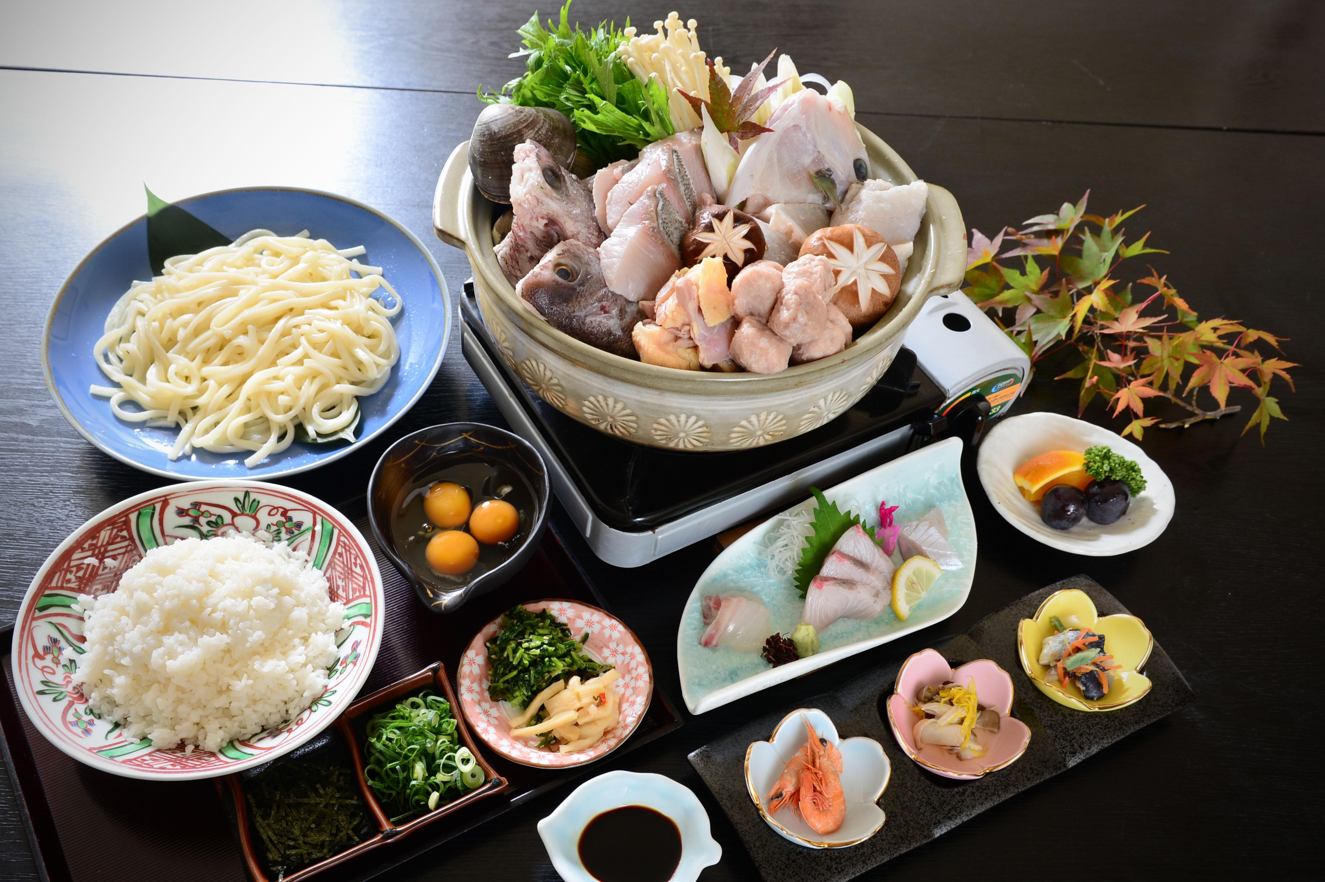 豚チゲと漁師鍋と2種類から選べる鍋コース