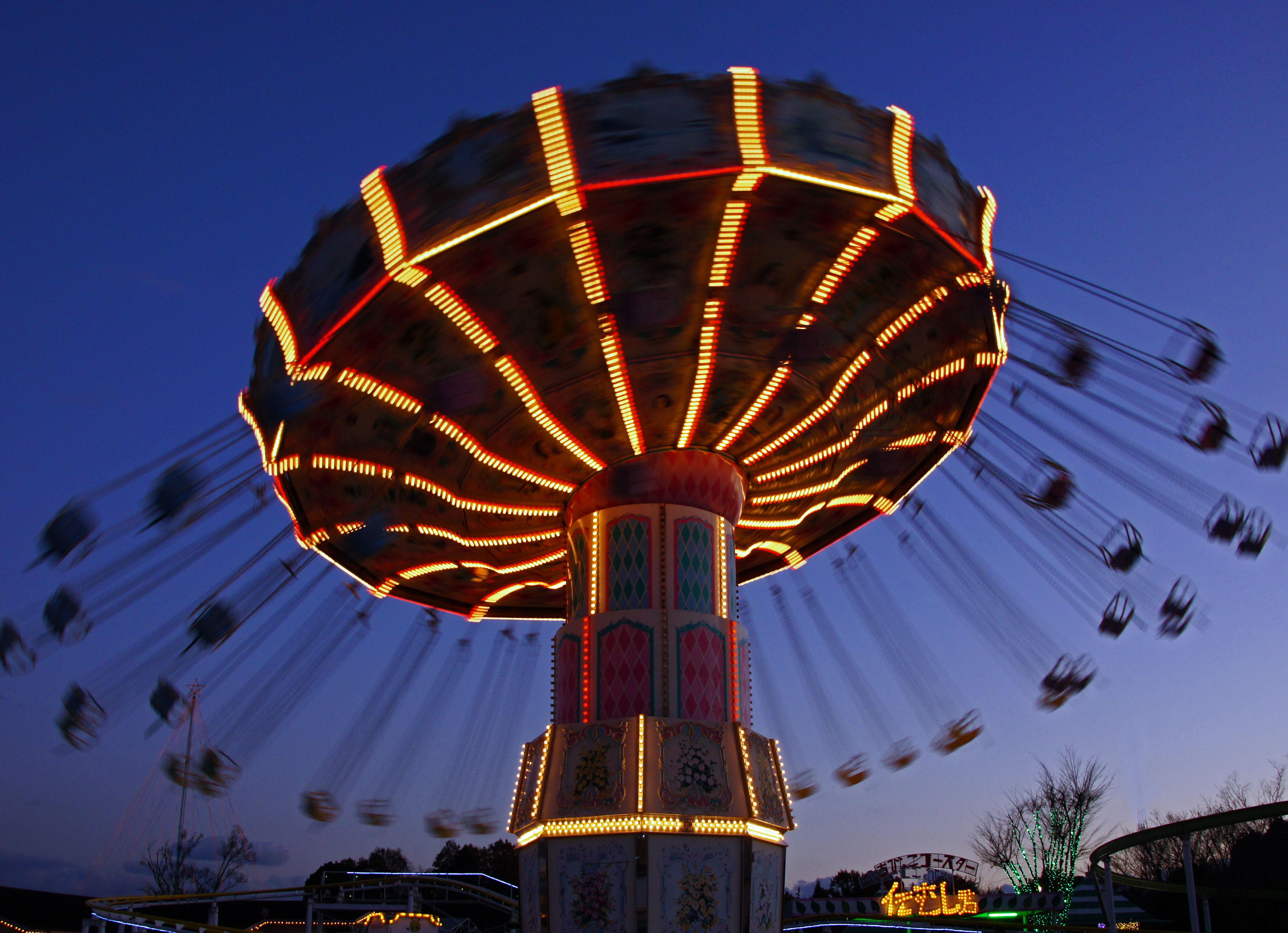 光のテーマパークみろくの里「星空の下の遊園地vol.4」光の中で乗って遊べるアトラクションが15種類!