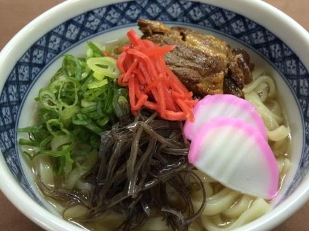 沖縄フェアは今月末まで‼大人気の「ソーキそば」680円