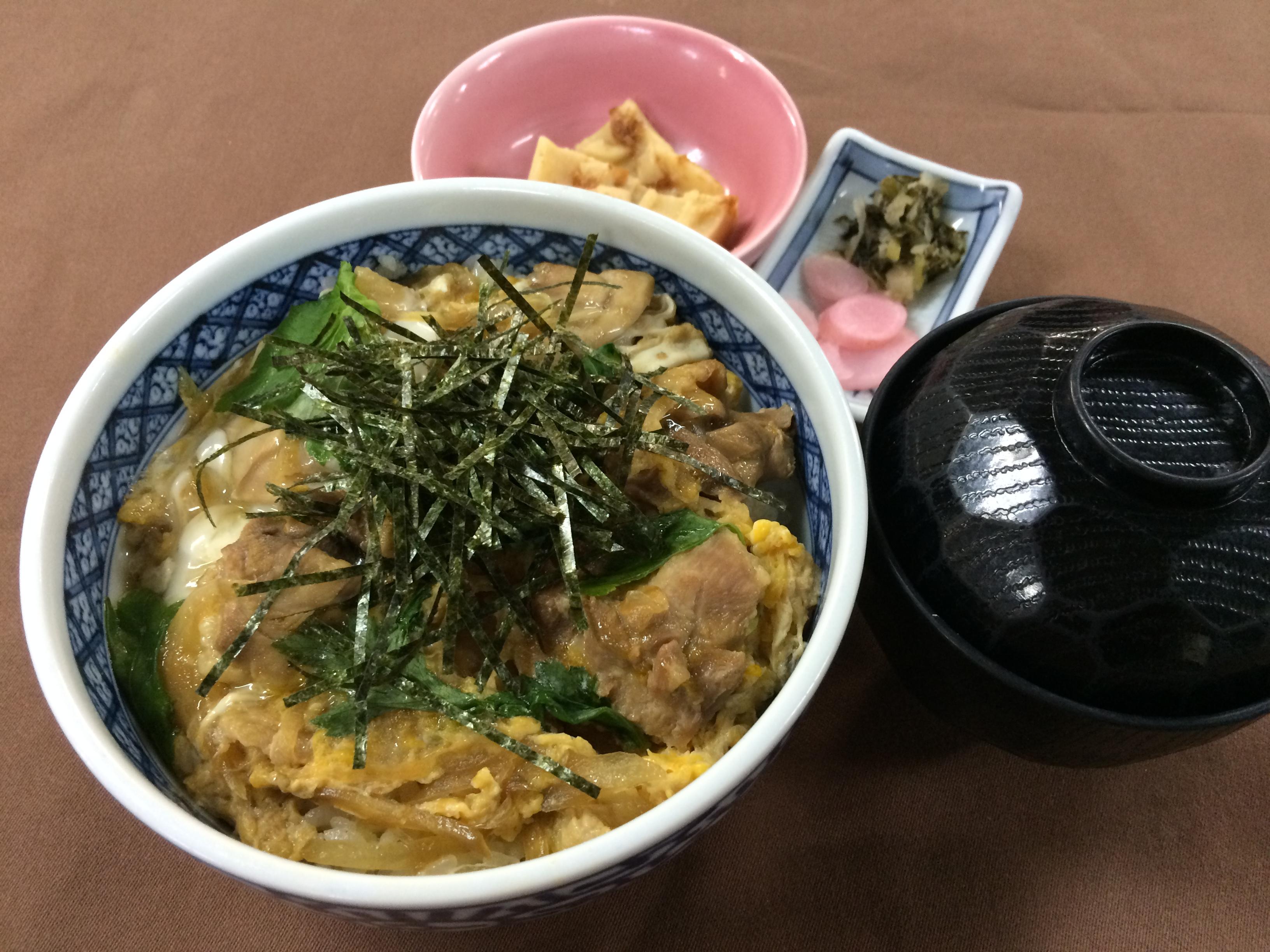 秋田うまいもんフェア「比内地鶏の親子丼」980円大人気です!