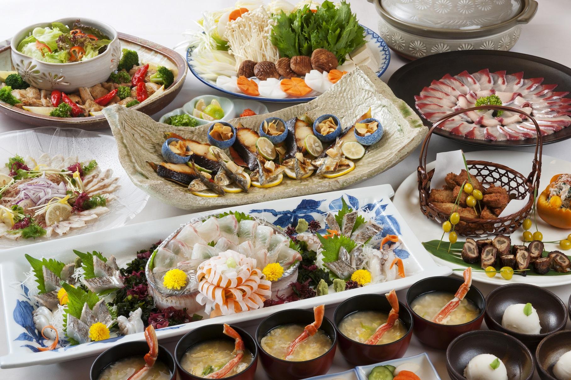 常石ハーバーホテルの忘年会・新年会プランは選べるコース。和食・中華の本格大皿コース