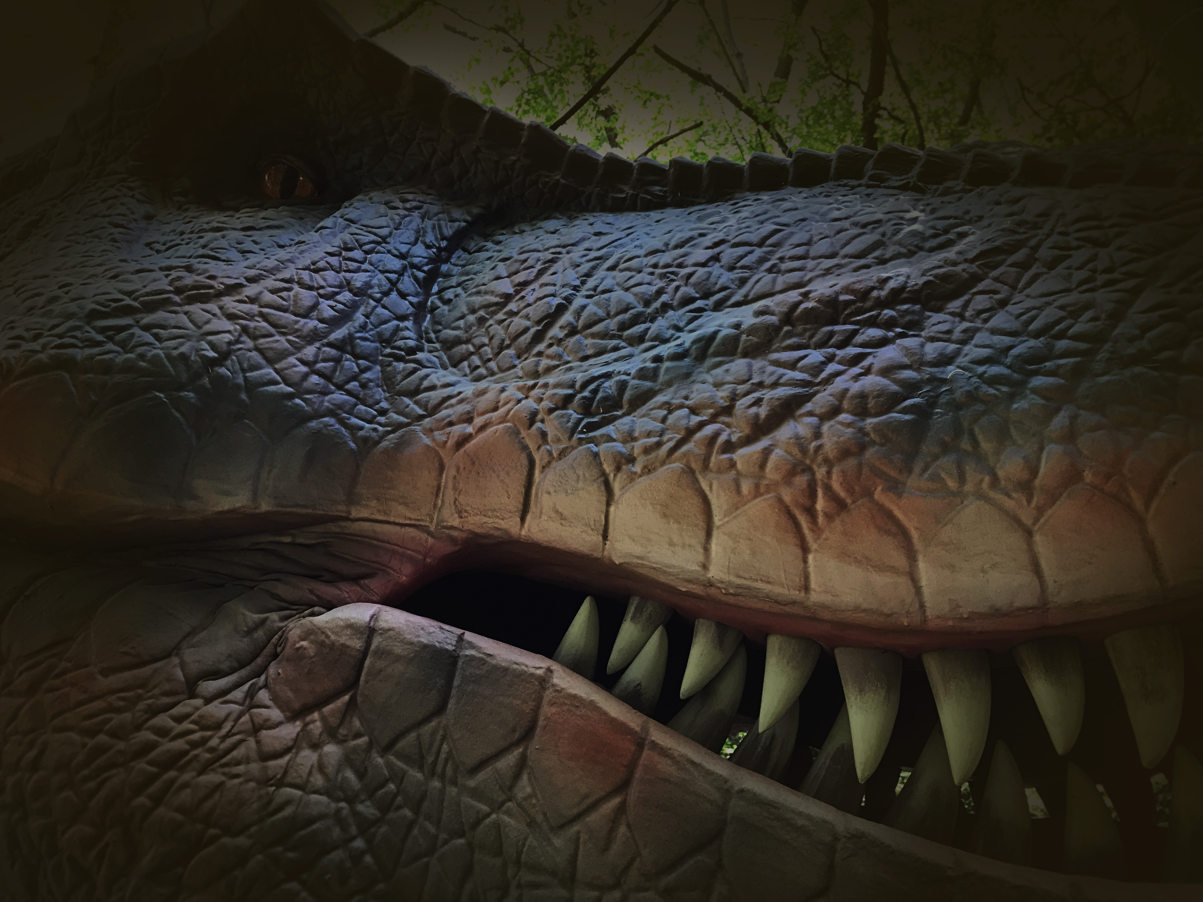 動く・吠える恐竜がみろくの里に出現[ダイナソーパーク]