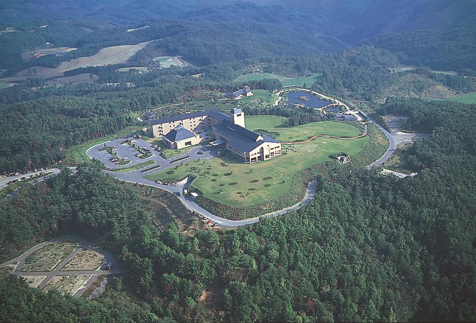 標高600メートルに位置する神石高原ホテル