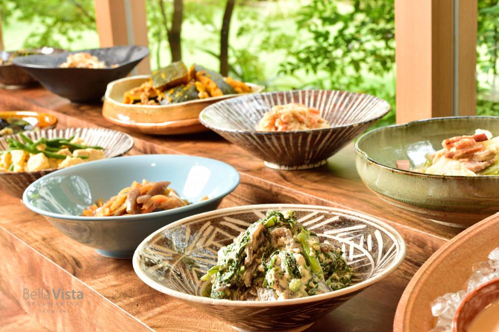 約20種類の「旬皿」が愉しめる朝食(イメージ)